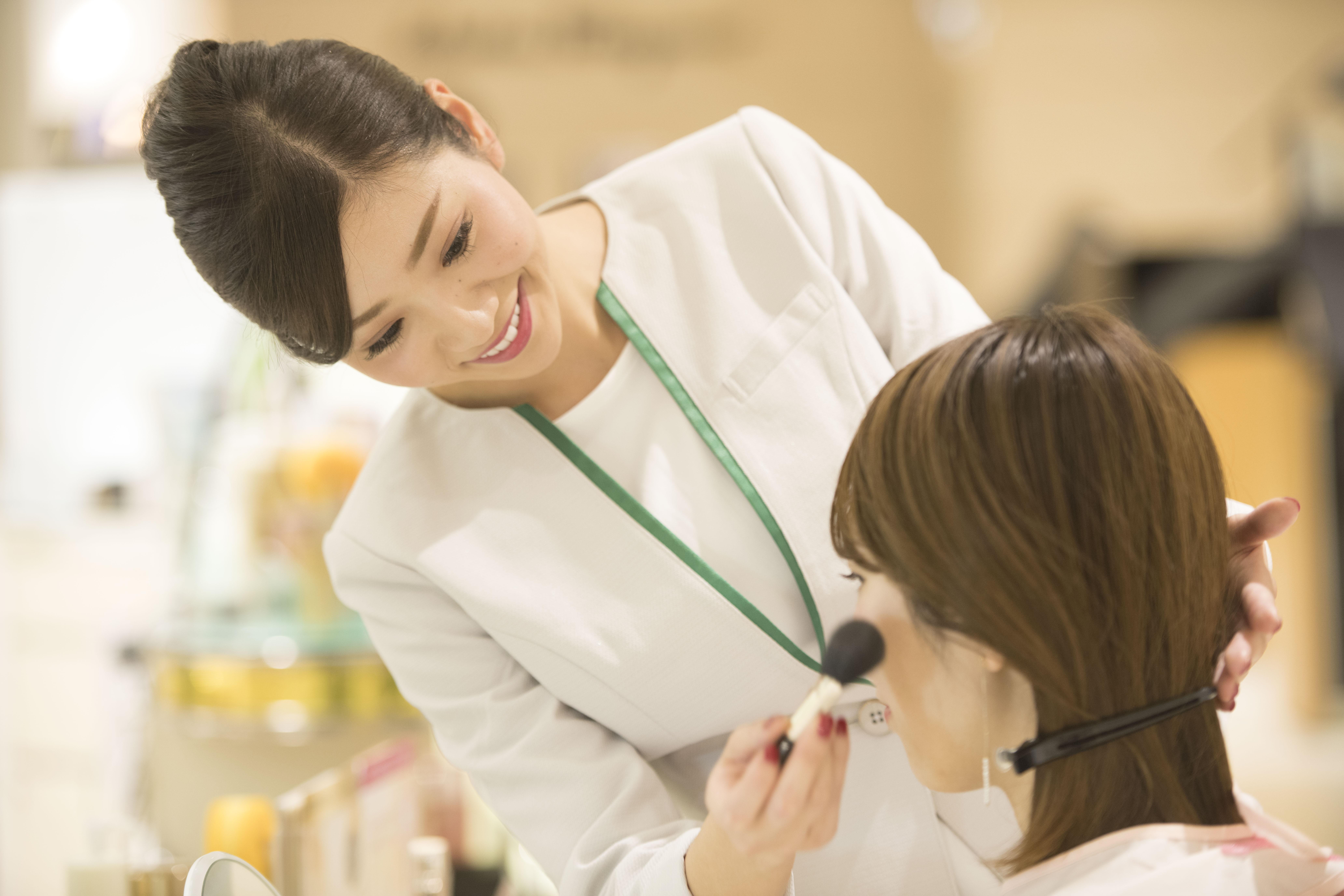 カバーマークへの転職!カバーマーク株式会社求人募集(化粧品販売・美容部員求人)の画像